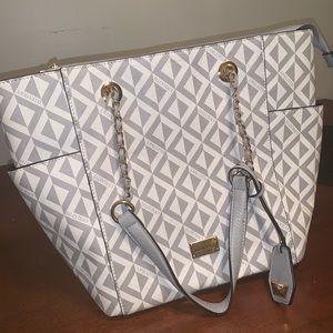 Gray and white Ellen Tracy handbag